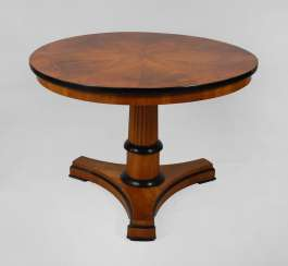 Round coffee table in the Biedermeier style.