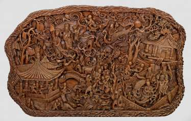 Large Huanghuali carving with a lot of figuriger Scenery