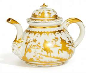 Teapot with radiertem gold decor