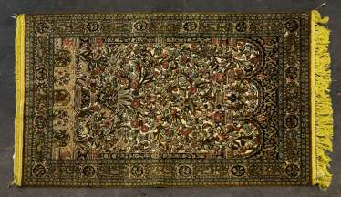 Oriental rug made of silk. TEHRAN/PERSIA, 1950s/60s, approx. 194x136 cm