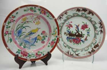 China: two plates with bird decor.