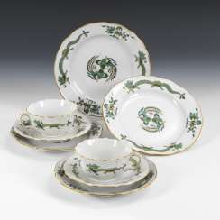 2 place settings + 2 plate with dragon painting, MEISSEN