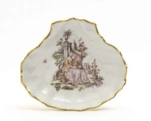 Meissen mussel shell, mid-18th century, house painter decor attributed to Franz Ferdinand Mayer-Preßnitz