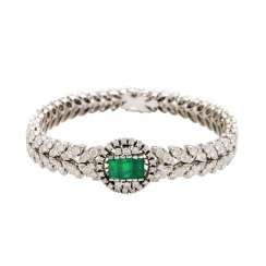 Bracelet with 3 synthetic emeralds and brilliant-cut diamonds