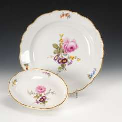 Vegetable dish and oval bowl with flower painting, Meissen.