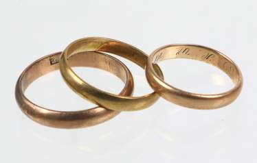 3 wedding rings - yellow gold 333, among other things,