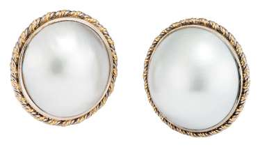 Pair of clip earrings with Mabéperlen