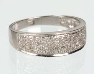 White gold ring with 50 brilliant-cut diamonds - 585 white gold