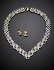 Interwoven cm 43 circa cultured pearl necklace with yellow gold clasp and cm 2 circa yellow gold heart earrings with pendant pearls