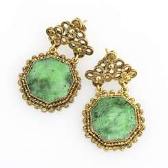 Chinese pair of earrings with jade