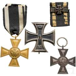 Four Museum - or collector productions of awards from Prussia