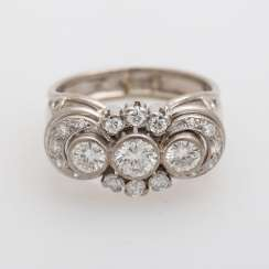Ring with 3 Brill. together approximately 0.85 ct.,