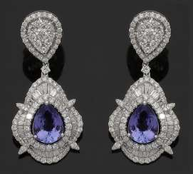 Pair of high-quality jewels drop earrings with Tansaniten