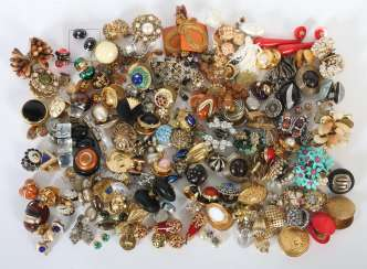 Mixed lot of fashion jewelry-earrings (about 120 PCs) 2. Half of the 20. Century