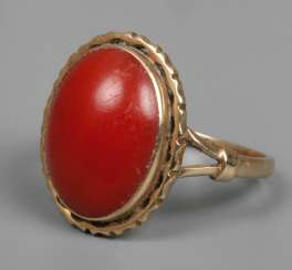Ladies ring with coral