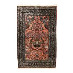 Oriental rug made of silk. 20. Century, approx. 160x108 cm
