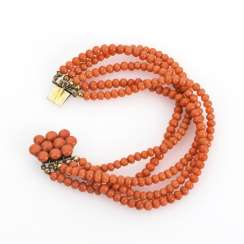 5-row coral bracelet with decorative clasp