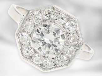 Ring: attractive vintage platinum ring with brilliant-cut diamonds approx. 0.87 ct and old European cut diamonds totaling approx. 0.48 ct