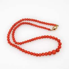 Coral necklace with Decorative lock.