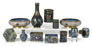Group of Cloisonné-Work, including Some brush washer, birdbaths, vases, and cans