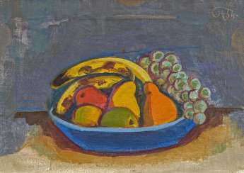 Blue bowl with fruit