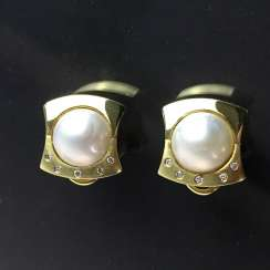 Exceptional Mabeperl-Brillant-earrings: Yellow Gold 585, Top Wesselton, two Mabeperlen, custom-made item, very good