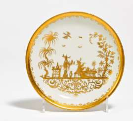 Lower shell with gold chinoiserie