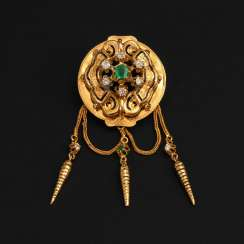Historicism brooch with emerald and Old