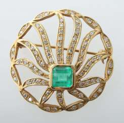 Emerald brooch 1st half of the 20th century