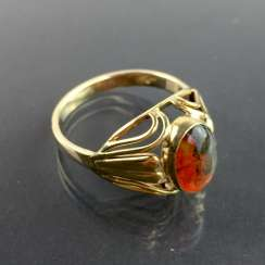 Rare ladies ring: Yellow Gold 333 with moss-agate / moss-carnelian, very good.