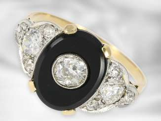 Ring: dainty antique onyx ring with old European cut diamonds, total approx. 0.61 ct, 18K gold