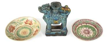Two Swatow-shells and a turquoise-glazed candle holder in lion shape