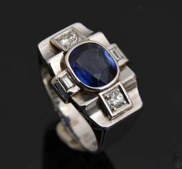 ART DECO RING with Blue sapphire.