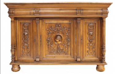 Dresser Europe of the NINETEENTH century