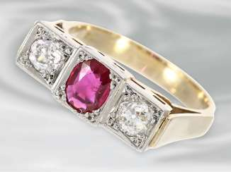Ring: very beautiful Art Deco gold wrought ring with ruby trim and 2 old European cut diamonds, 14K Gold