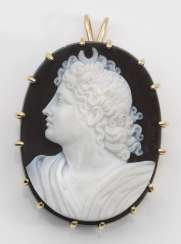 Brooch with cameo