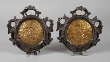 Pair of wall appliques with scenes of 16. Century