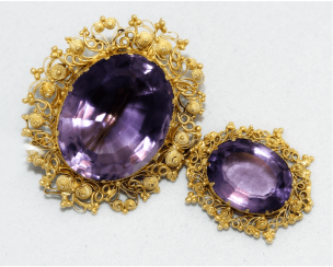 Brooch with amethysts . gold, 56