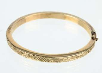 gold-plated engraved bangle