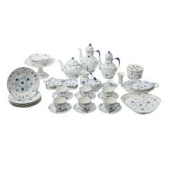 BING&GRONDAHL coffee/tea set for 6 persons 'Bla Malet' (straw flower), 20. Century