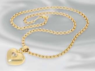 Chain/necklace: yellow gold heart necklace,