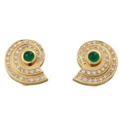 Earrings in snail shape with 1 emerald cabochon each,