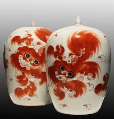 Paired vases with dogs of Fo