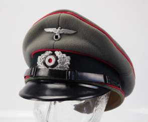 Wehrmacht: visor cap for NCOs and artillery men.
