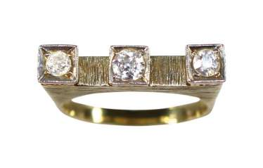 Ring Crown With 3 Diamonds