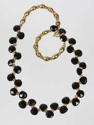 Necklace with spinels