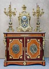 the commode in the Palace style