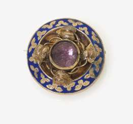 Brooch with locket, Amethyst and enamel. Germany, around 1850