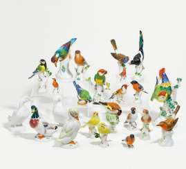 Collection of 17 bird figures