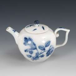 Teapots with blue painting, MEISSEN.